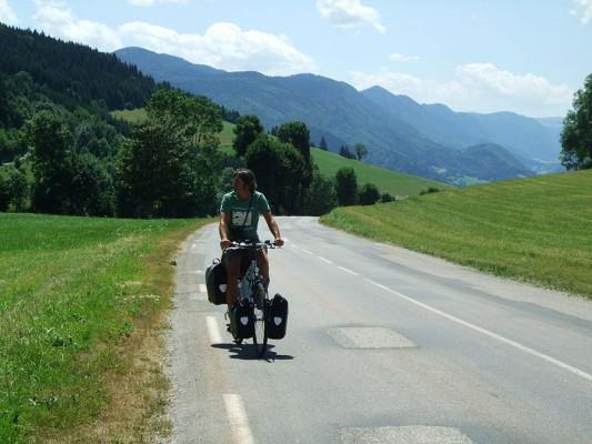 Ciclo turista con alforjas