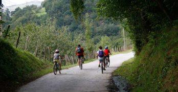 Viaje cicloturista de grupo de ConBici por el País Vasco y Navarra