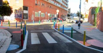 Actuación coste cero por la movilidad en un colegio de Sevilla