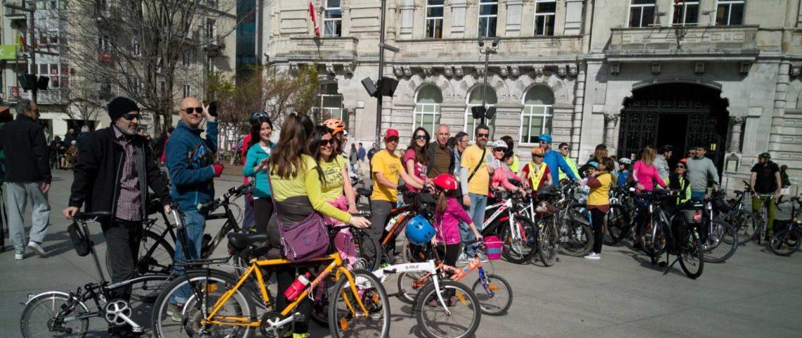 Cantabria ConBici ha llenado la ciudad de Santander de bicicletas